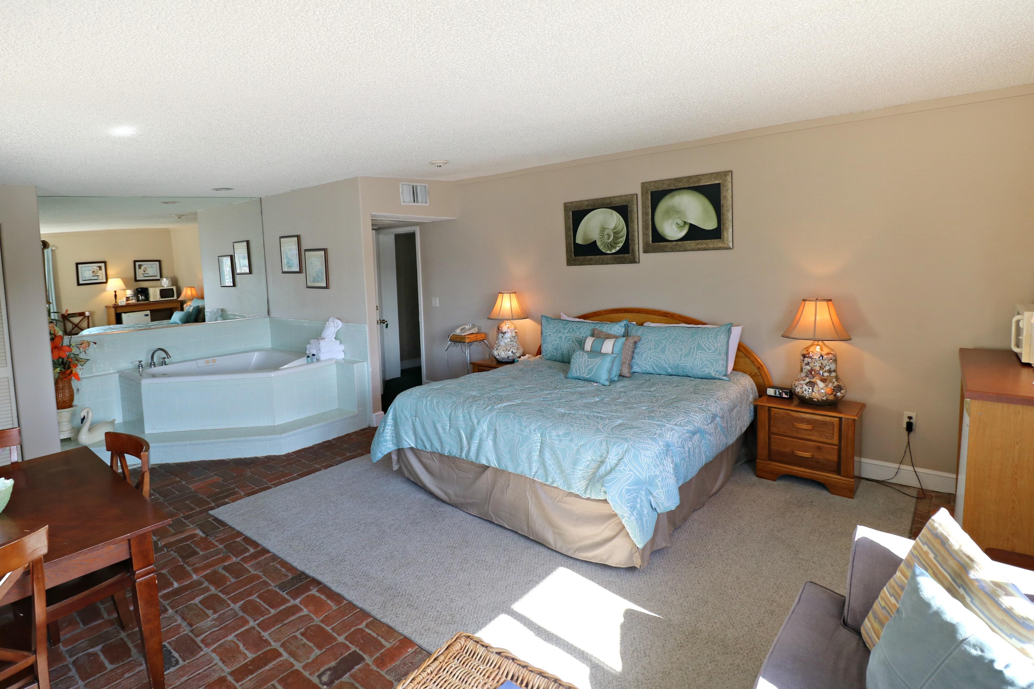 room at inn at Camachee Harbor