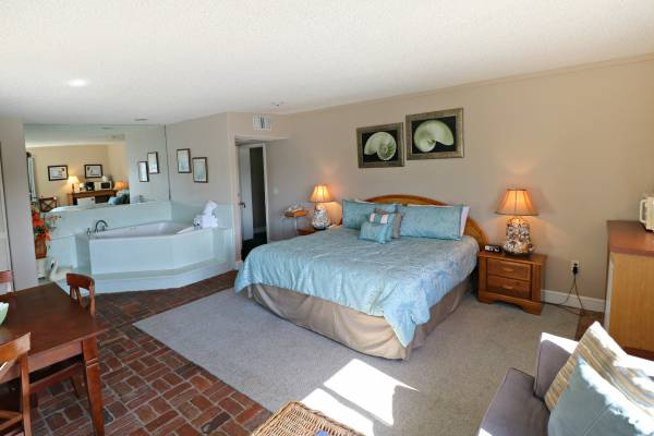 room at inn at Camachee Harbor